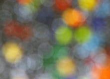 Grijze achtergrond van gekleurde cirkels Stock Foto's