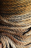 Grijze en bruine zeevaartkabel en afwijking Close-up achtergrondtextu royalty-vrije stock afbeeldingen