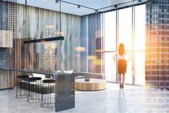 Grijze en houten woonkamer, concreet dubbel Royalty-vrije Stock Foto's