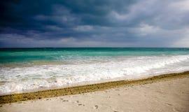 Grijze hemel in Cuba royalty-vrije stock fotografie
