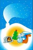 Grijze muiszitting bij de open haard bij Kerstmis Stock Afbeeldingen