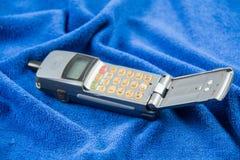 Grijze oude mobiele telefoons stock foto's