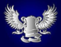 Grijze Schild en Vleugels op Blauw Royalty-vrije Stock Afbeeldingen