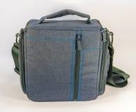 Grijze zak met riem voor camera Royalty-vrije Stock Afbeelding