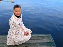 Gril κοντά στη λίμνη Στοκ εικόνα με δικαίωμα ελεύθερης χρήσης