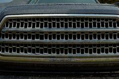 Gril avant d'un véhicule 4WD humide Image stock