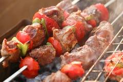 Gril de BBQ et charbons rougeoyants Image stock