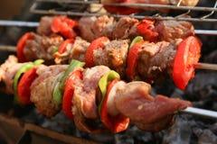 Gril de BBQ et charbons rougeoyants Image libre de droits