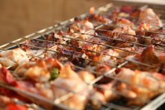 Gril de BBQ et charbons rougeoyants Images stock