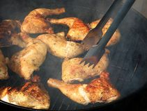 Gril de poulet images stock