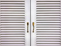 Gril en bois blanc Windows Photo stock
