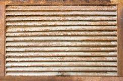 Gril rouillé de ventilaton Photographie stock libre de droits