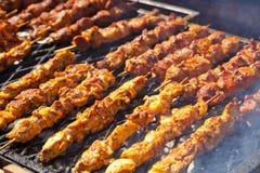 Grillów kije z kurczaka mięsem Fotografia Stock