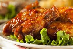Grill-Büffel-Hühnerflügel Stockbilder