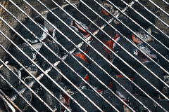 Free Grill Charcoal Bbq Briquettes With Hot Metal Grid Royalty Free Stock Photography - 71450797