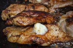 Grill mit Schweinefleisch- und Schafbutter Stockbild