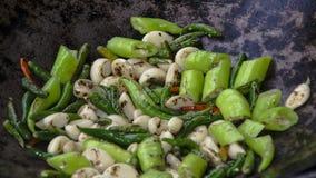 Grill Piec jedzenie: Warzywa, Piec na grillu Zieleni Chili pieprze Obrazy Stock