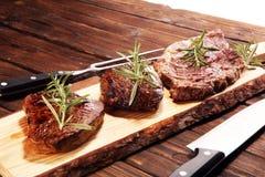 Grill Rib Eye Steak - trockenes gealtertes Wagyu-Mittelrippe vom Rind-Steak lizenzfreies stockfoto