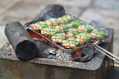 Grilla mięsny kucharstwo na ogieniu składnik babeczki cha sławna Wietnamska kluski polewka z bbq mięsem, wiosny rolka, wermiszel Obraz Stock