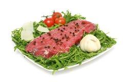 grilla surowy mięsny przygotowywający obraz stock