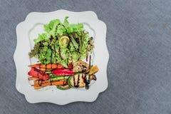 Grillad blandninggrönsaksallad Arkivbilder