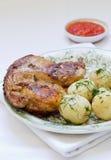 grillad feg potatis Arkivbild