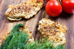 Grillad filé för fega bröst med nya grönsaker Royaltyfri Fotografi