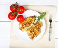 Grillad filé för fega bröst med nya grönsaker Arkivfoto
