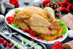 Grillad höna för jul Arkivfoton