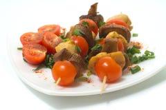 Grillad höna med champinjoner och tomater Royaltyfri Bild