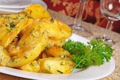 grillad potatis Arkivbild