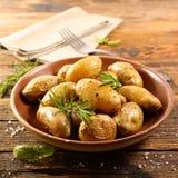 grillad potatis royaltyfria bilder