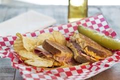 Grillad Reuben för delikatessaffär stil smörgås Royaltyfria Foton