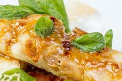 Grillad seabassfilé med grönsaker Fotografering för Bildbyråer