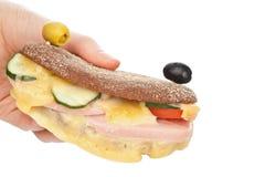 Grillad skinksmörgås Arkivbild