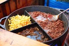 Grillad småfiskar och meat på grillfesten Fotografering för Bildbyråer