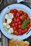 Grillad tomat Caprese Arkivfoton