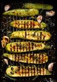 Grillad zucchini med tillägget av timjan, citronpiff och vitlök Royaltyfri Fotografi