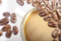 Grillade arabicakaffebönor Arkivfoto