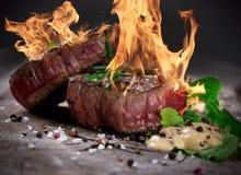 Grillade bbq-steaks Royaltyfri Fotografi