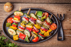 Grillade grönsaksteknålar Fotografering för Bildbyråer