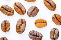 Grillade kaffebönor Arkivbilder