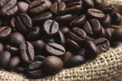 Grillade kaffebönor 1 Arkivbilder