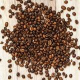 Grillade kaffebönor, kan användas som en bakgrund Makro för textur för kaffebönor Arkivbild