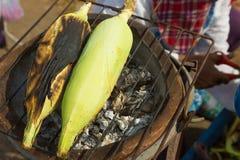 Grillade majers på varmt Royaltyfria Bilder