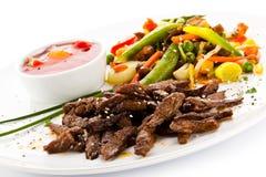 Grillade meat och grönsaker Royaltyfria Bilder