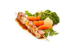 Grillade meat och grönsaker Arkivbild