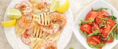 Grillade räkor och grillad tioarmad bläckfisk Royaltyfri Fotografi