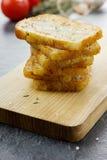 Grillade rostade bröd med havet saltar och timjan Royaltyfria Foton