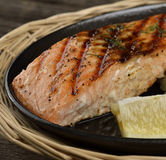 Grillade Salmon Fillet Royaltyfria Bilder